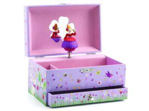 Dárek k čtvrtým narozeninám - šperkovnice nebo hrací skříňka