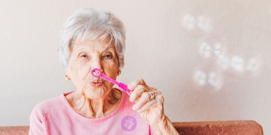 Jaký dárek pro babičku nebo tchyni?